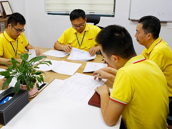 诺能泰研发团队会议